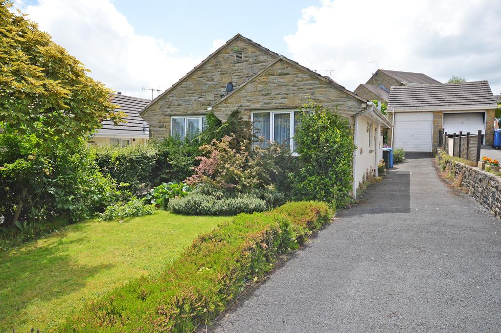 2 Bedrooms Detached Bungalow for sale in 36 Rockwood Drive, Skipton,