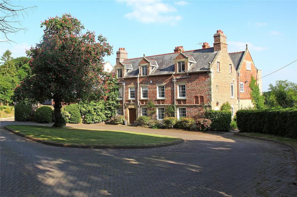 8 Bedrooms Detached House for sale in Trefnant, Nr Denbigh, Denbighshire, LL16