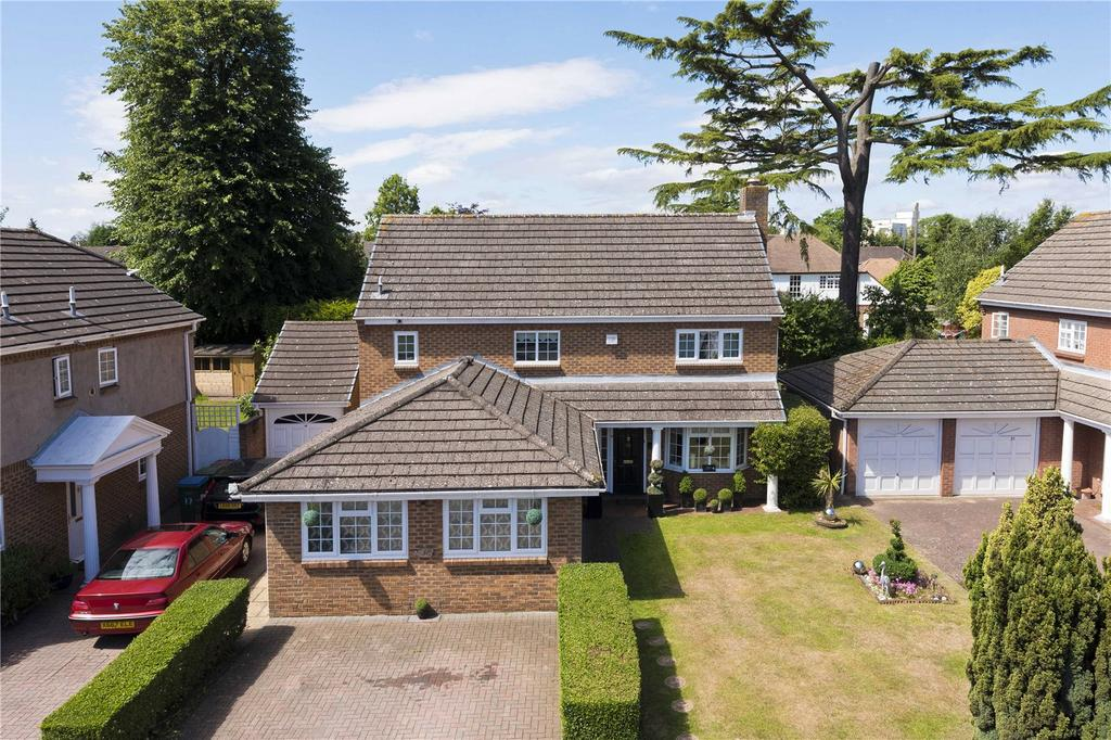 4 Bedrooms Detached House for sale in Vaillant Road, Weybridge, KT13