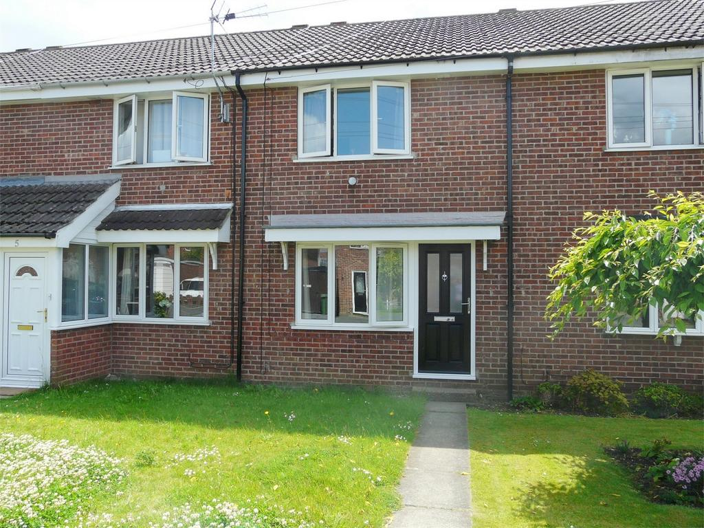 2 Bedrooms Terraced House for sale in Woldgate View, Pocklington, York