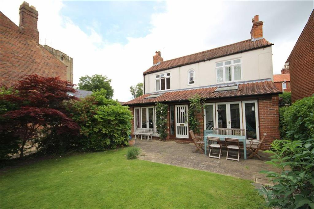 3 Bedrooms Detached House for sale in Westgate, Lincoln, Lincolnshire