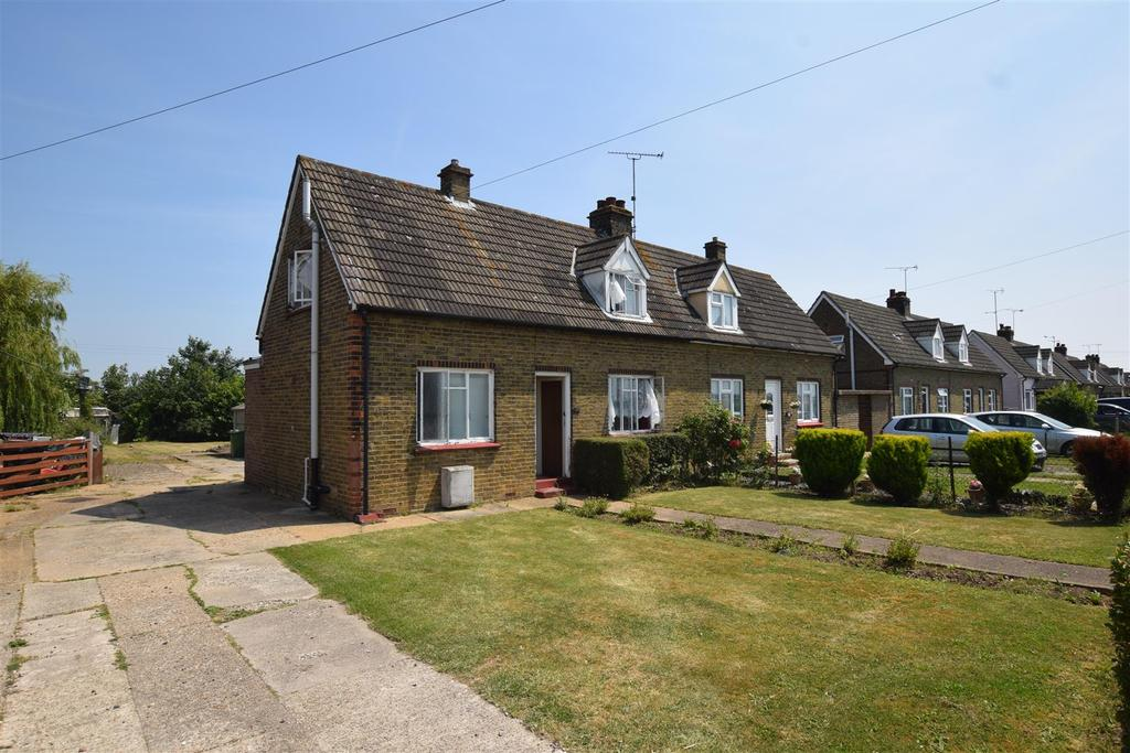 2 Bedrooms Semi Detached House for sale in Mundon Road, Maldon