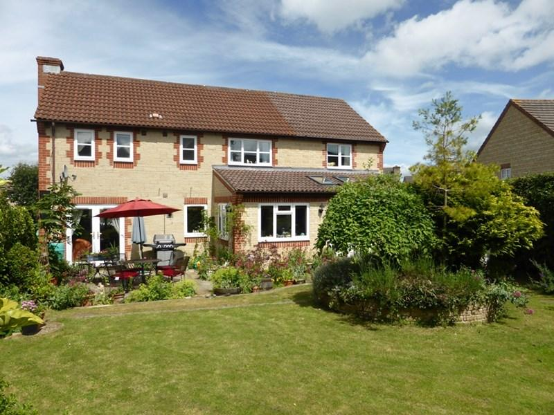 5 Bedrooms Detached House for sale in Faulkland View, Peasedown St. John, Bath