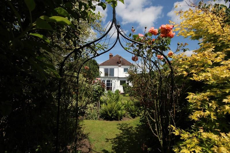 3 Bedrooms Detached House for sale in Hightown, Ringwood