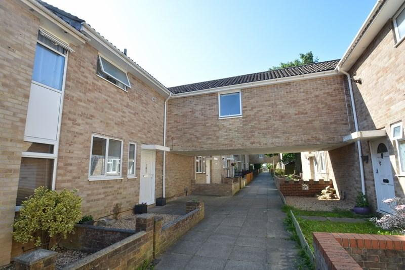 4 Bedrooms Terraced House for sale in Collingwood Walk, Andover