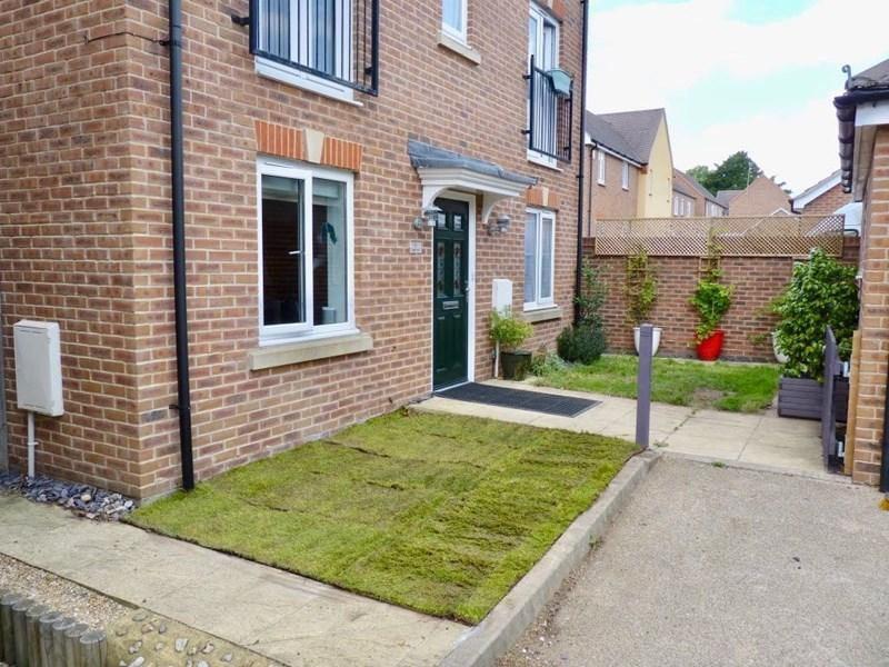 4 Bedrooms Detached House for sale in Scythe Close, Andover