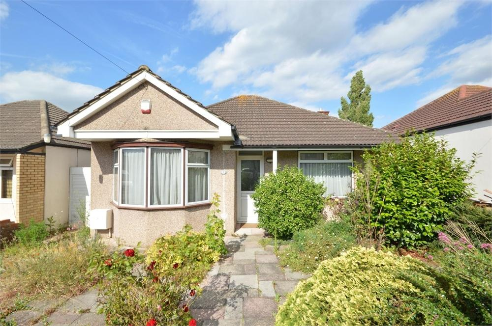 2 Bedrooms Semi Detached Bungalow for sale in Windsor Drive, West Dartford