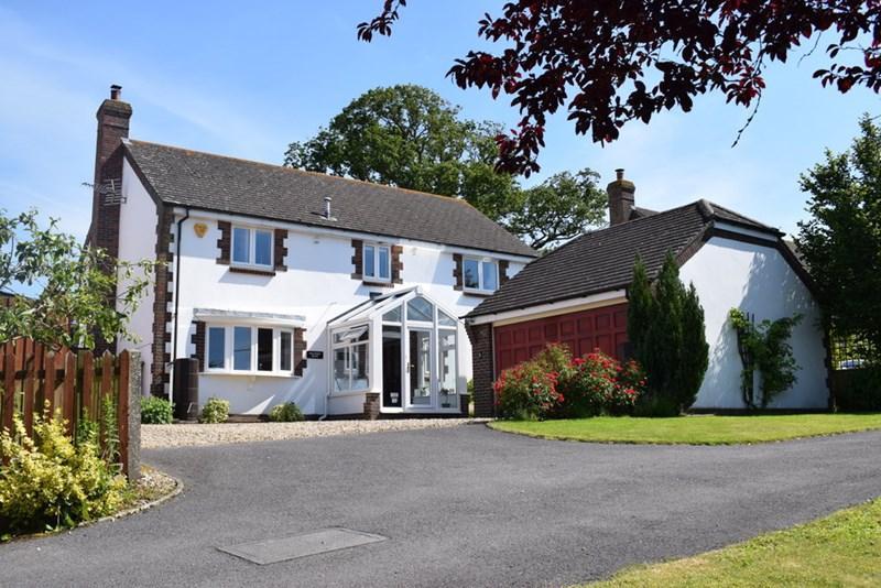 4 Bedrooms Detached House for sale in Partway Lane, Hazelbury Bryan, Sturminster Newton