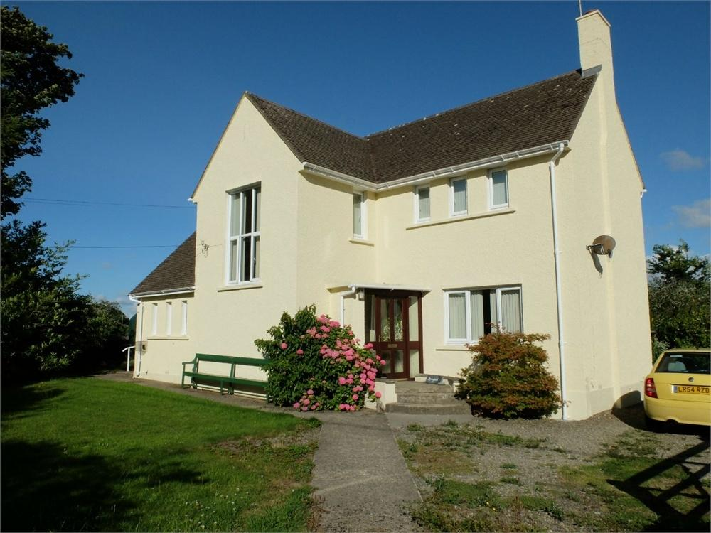 3 Bedrooms Detached House for sale in Springfield, Scleddau, Fishguard, Pembrokeshire