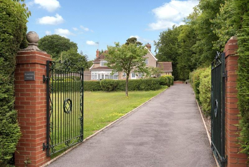 4 Bedrooms Detached House for sale in Church Lane, Limpley Stoke, Bath, BA2