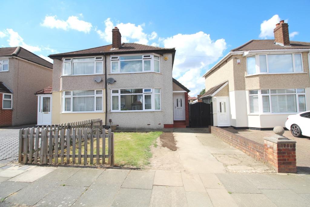 2 Bedrooms Semi Detached House for sale in Bradenham Avenue Welling DA16