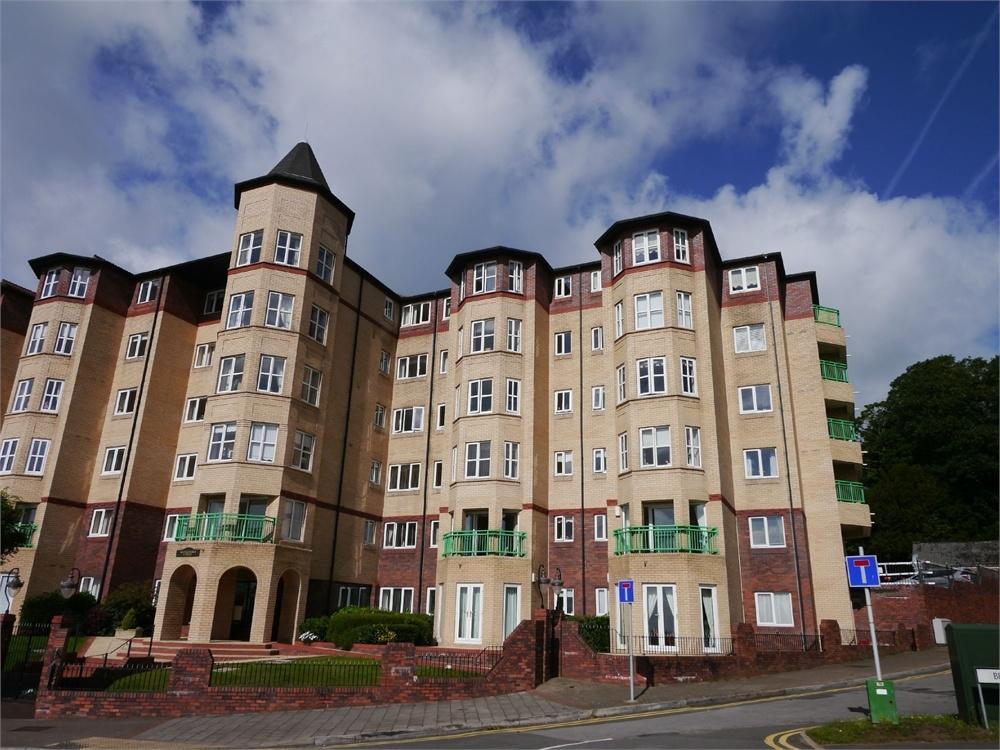 2 Bedrooms Flat for sale in The Esplanade, Penarth