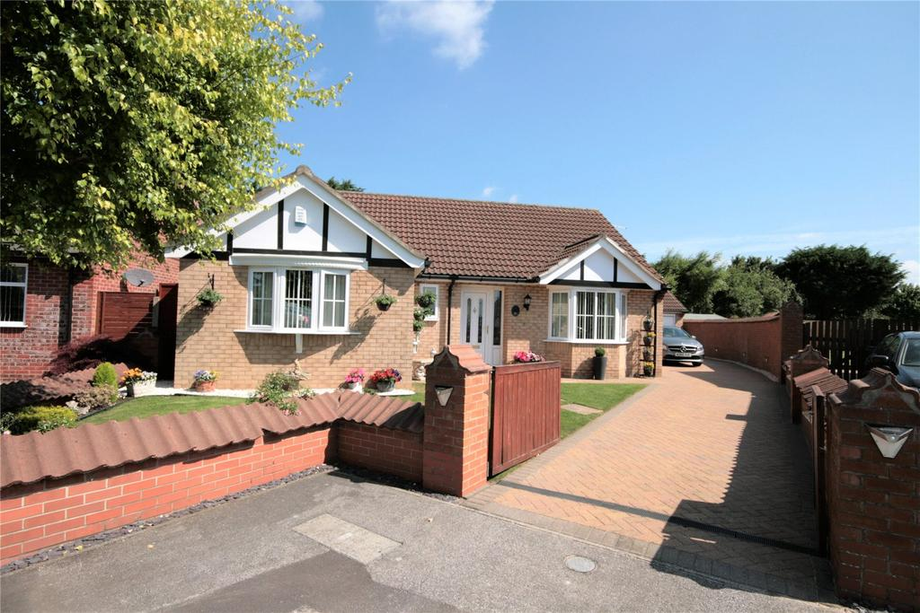 3 Bedrooms Detached Bungalow for sale in Langdale Close, Lincoln, LN2