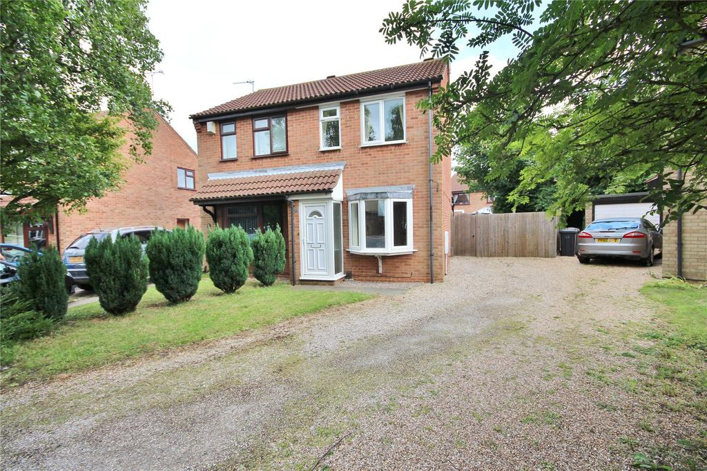 2 Bedrooms Semi Detached House for sale in Beaufort Close, Glebe Park, LN2