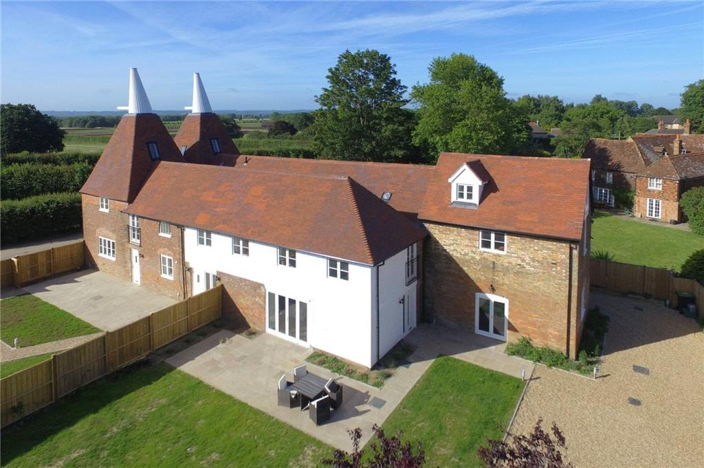 5 Bedrooms Semi Detached House for sale in Maidstone Road, Hadlow, Tonbridge, Kent, TN11