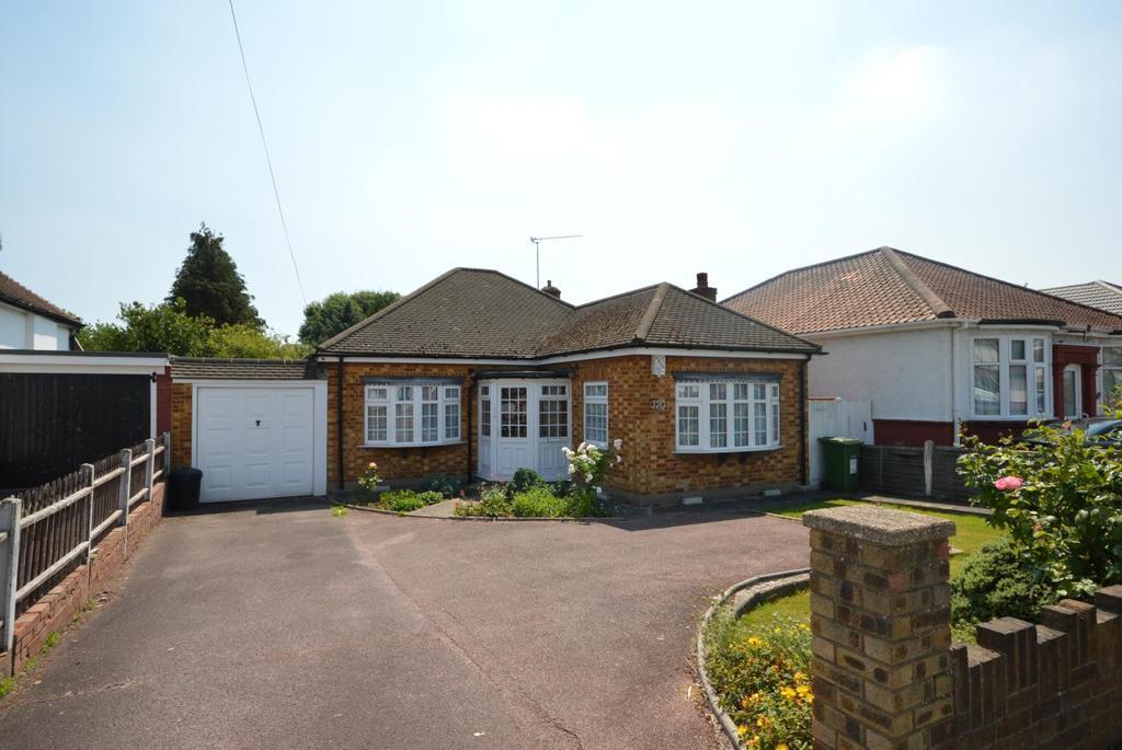 2 Bedrooms Semi Detached Bungalow for sale in Wingletye Lane, Hornchurch, Essex, RM11