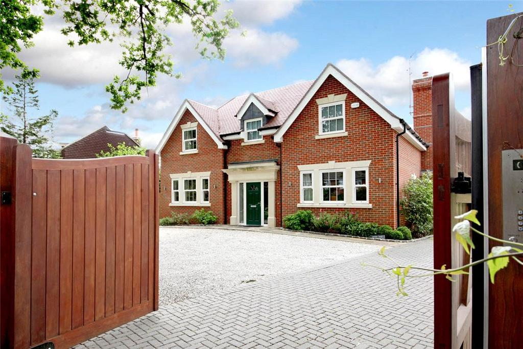4 Bedrooms Detached House for sale in Upper Village Road, Ascot, Berkshire, SL5
