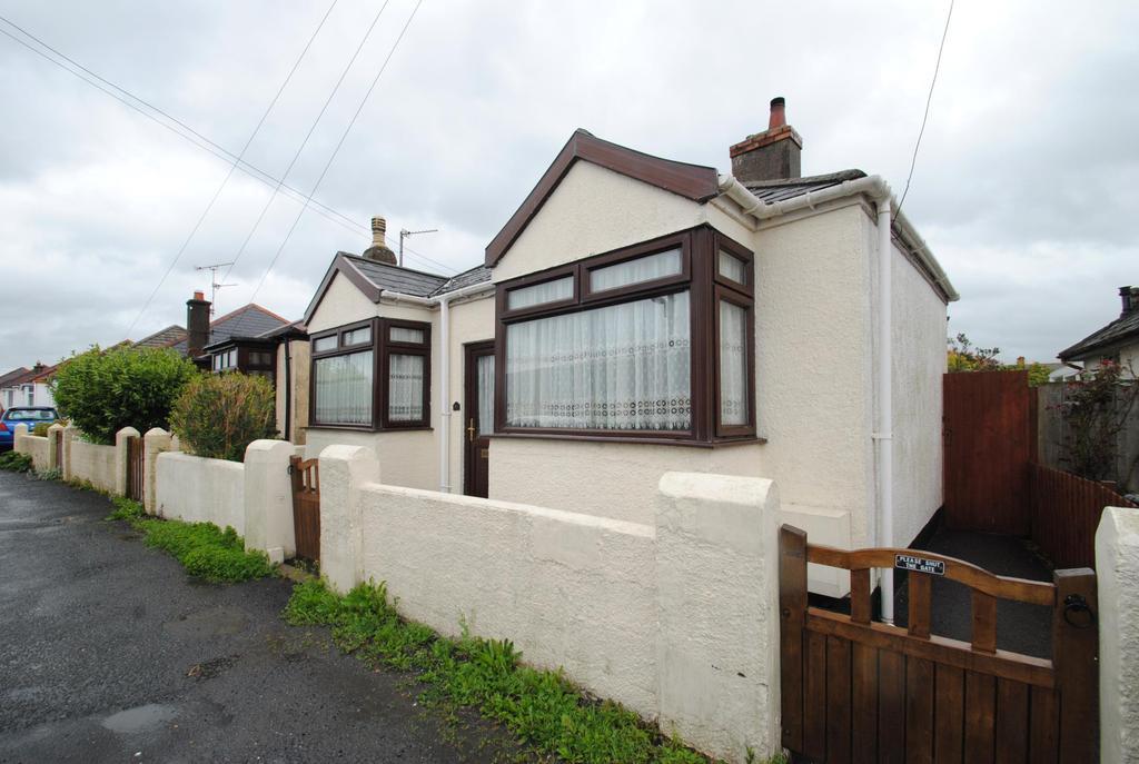 2 Bedrooms Bungalow for sale in Barton Avenue, Braunton
