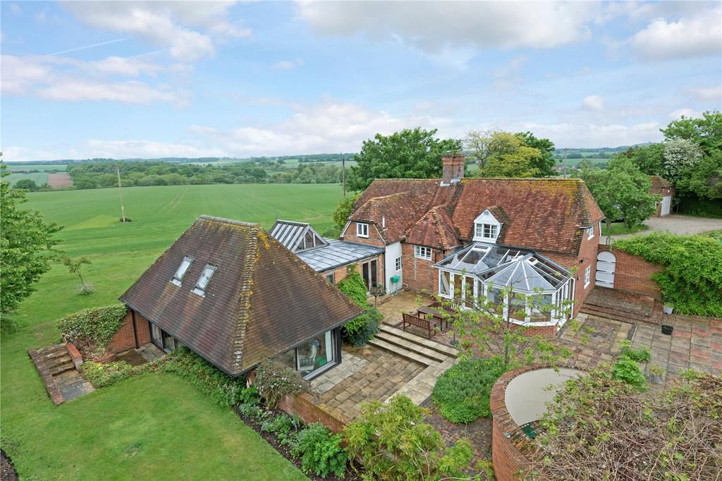 5 Bedrooms Unique Property for sale in North Heath, Chieveley, Newbury, Berkshire, RG20