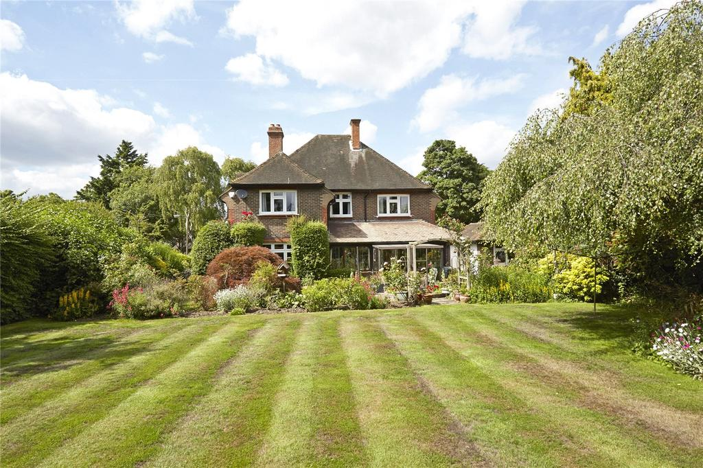 4 Bedrooms Detached House for sale in The Downsway, Sutton, Surrey, SM2