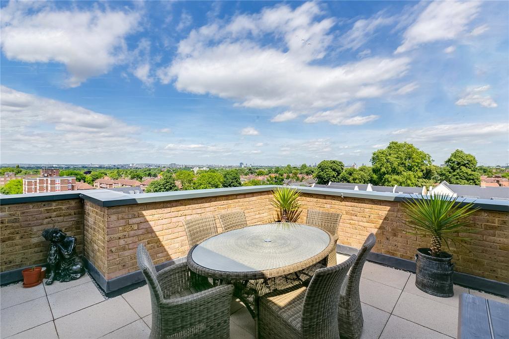 2 Bedrooms Flat for sale in Roebuck House, 89 Roehampton Lane, London