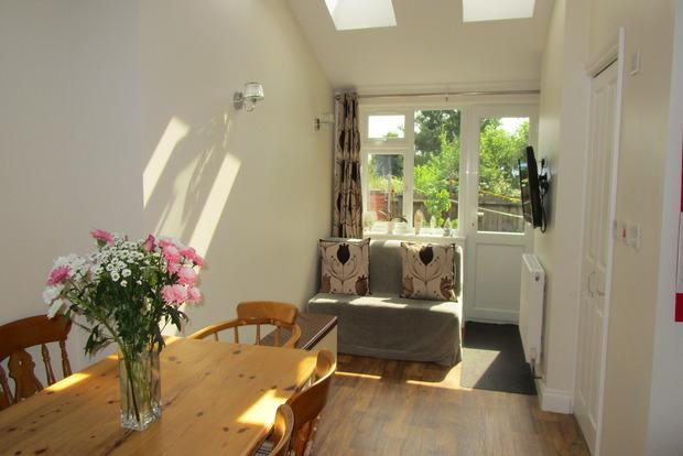 3 Bedrooms Semi Detached House for sale in Shortridge Lane, Enderby, LE19