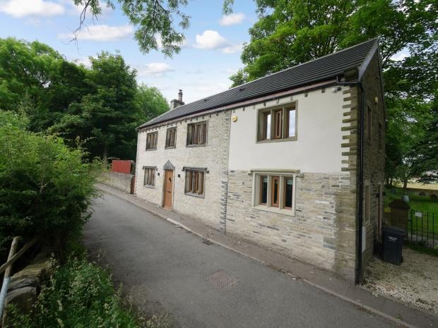 3 Bedrooms Detached House for sale in Till Carr Lane Lightcliffe Calderdale
