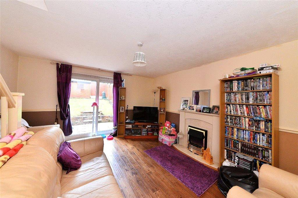 2 Bedrooms End Of Terrace House for sale in Dunlin Drive, Kidderminster, DY10