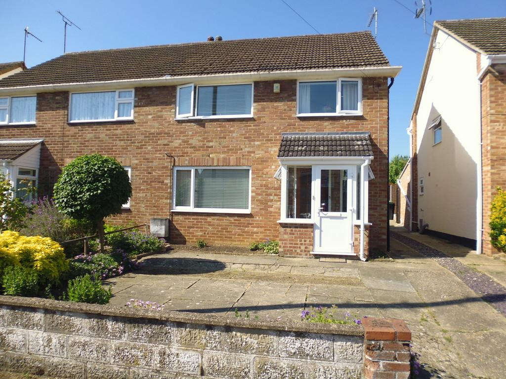 3 Bedrooms Semi Detached House for sale in Orwell Road, Stowmarket