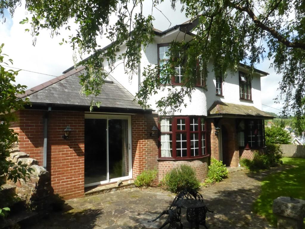 3 Bedrooms Detached House for sale in Station Road, Okehampton