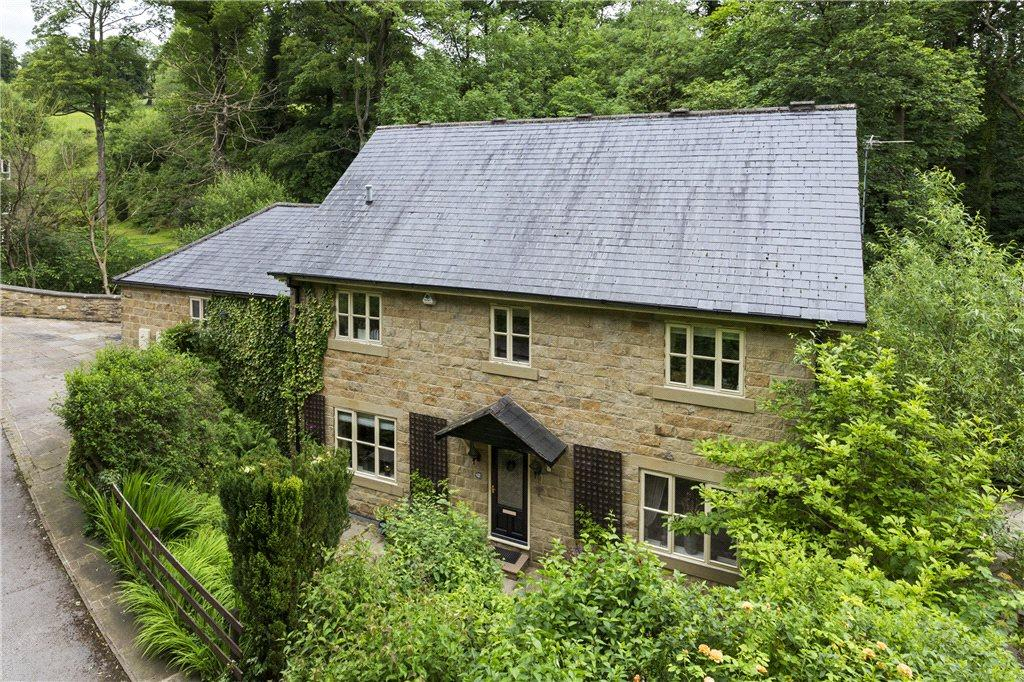 5 Bedrooms Detached House for sale in Stepping Stones, East Morton, West Yorkshire