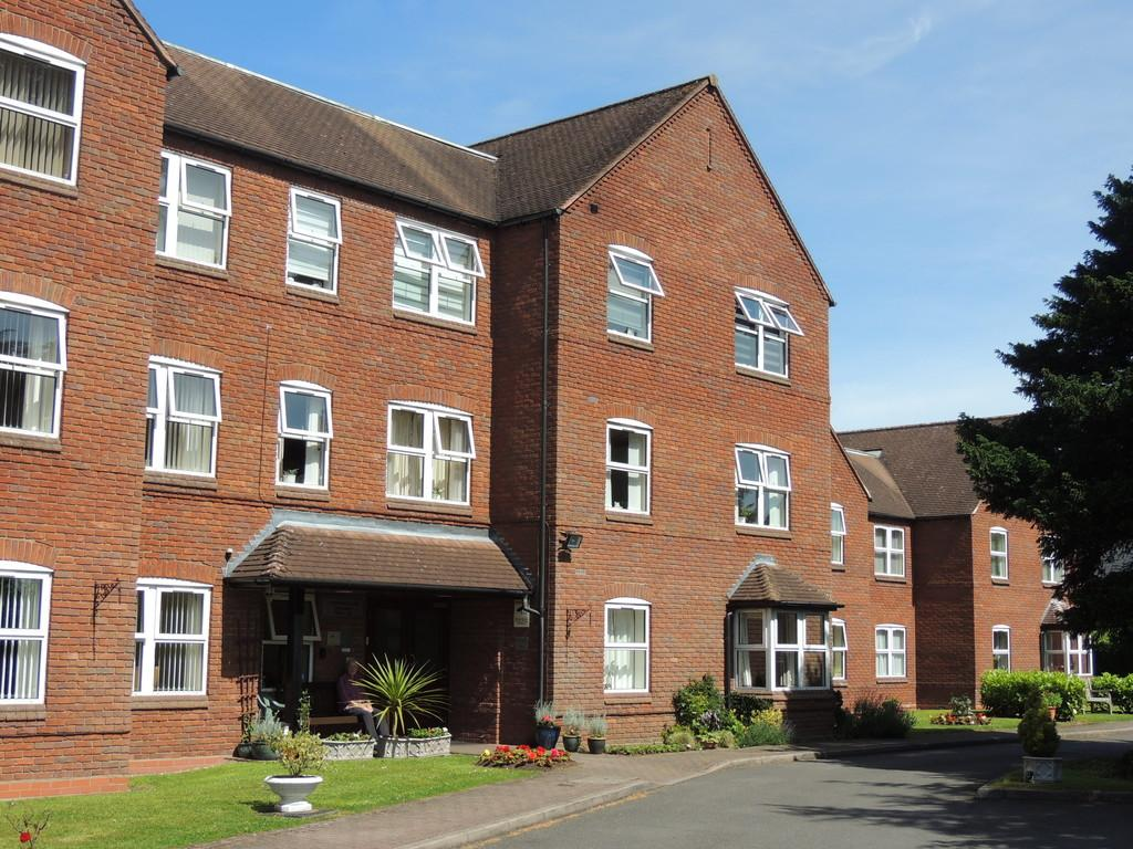 2 Bedrooms Apartment Flat for sale in Downing Close, Knowle, Solihull