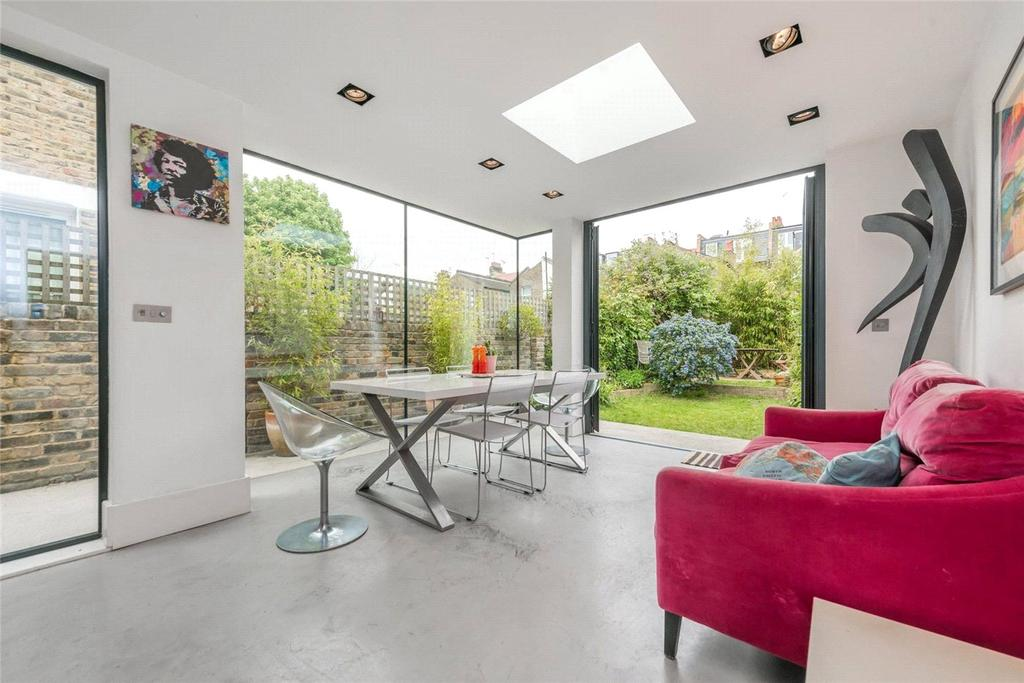 4 Bedrooms Terraced House for sale in Burrows Road, London, NW10