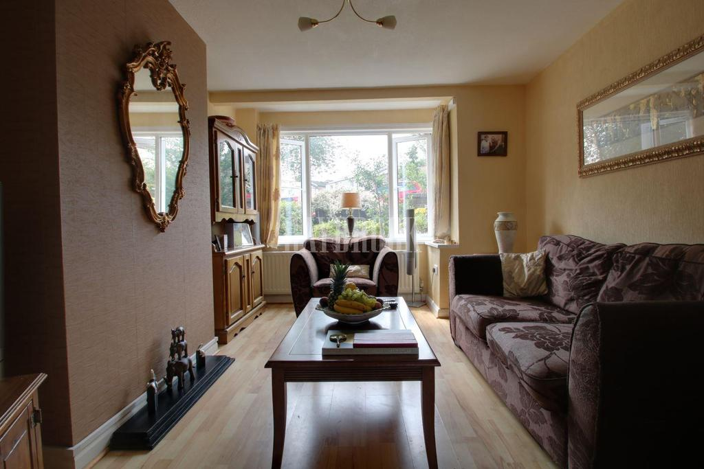 3 Bedrooms Semi Detached House for sale in Wood Lane, Stannington