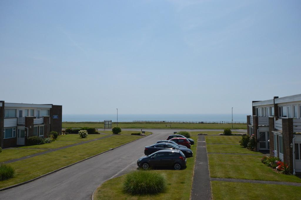 3 Bedrooms Terraced House for sale in Marine Drive, Barton on Sea