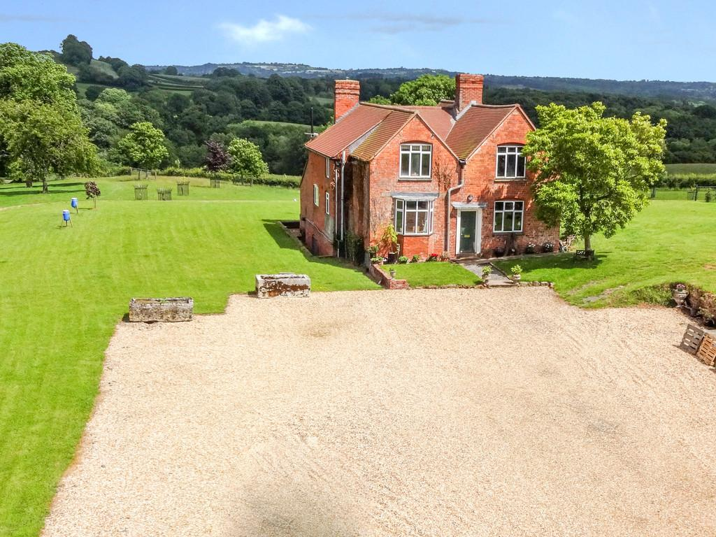 4 Bedrooms Farm House Character Property for sale in Boraston, Tenbury Wells