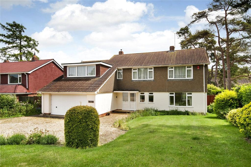 5 Bedrooms Detached House for sale in Valley Road, Littleton, Winchester, SO22