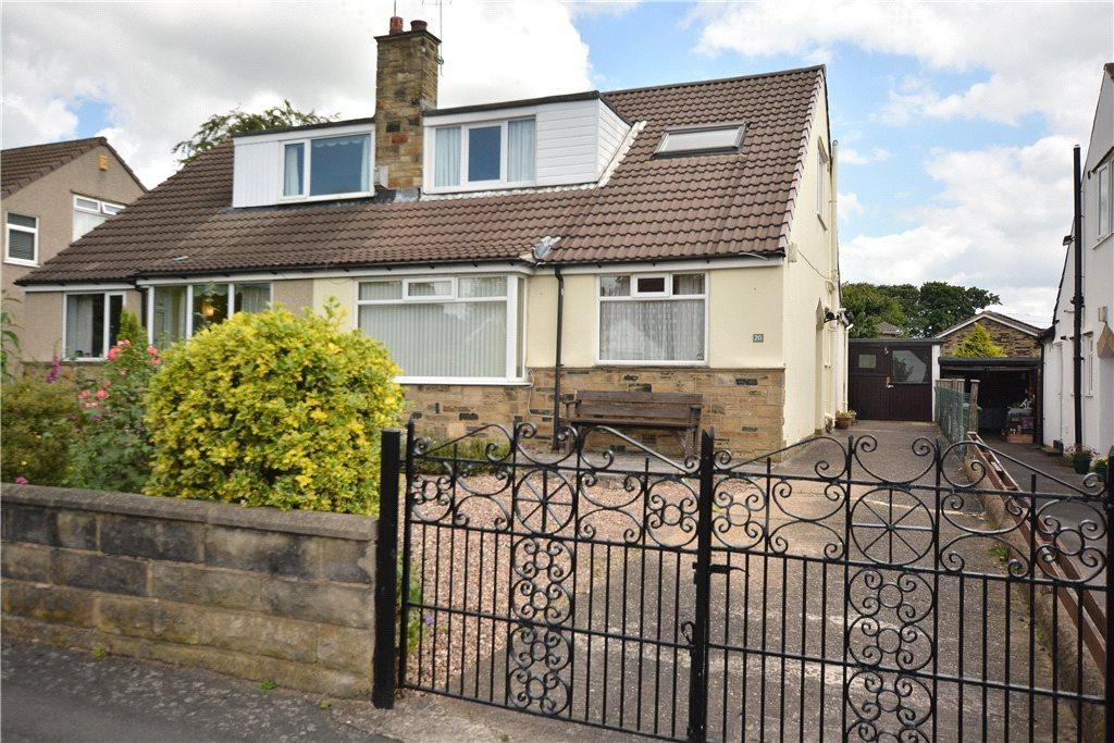 3 Bedrooms Semi Detached Bungalow for sale in Oakwood Walk, Oakwood, Leeds