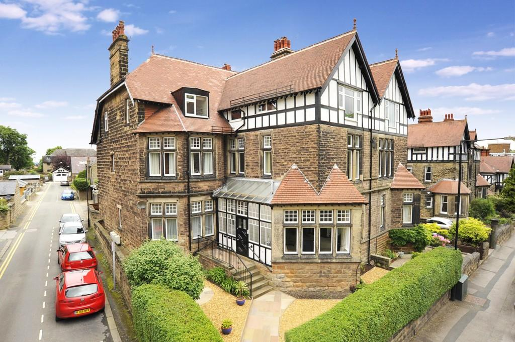 2 Bedrooms Apartment Flat for sale in Springfield Avenue, Harrogate
