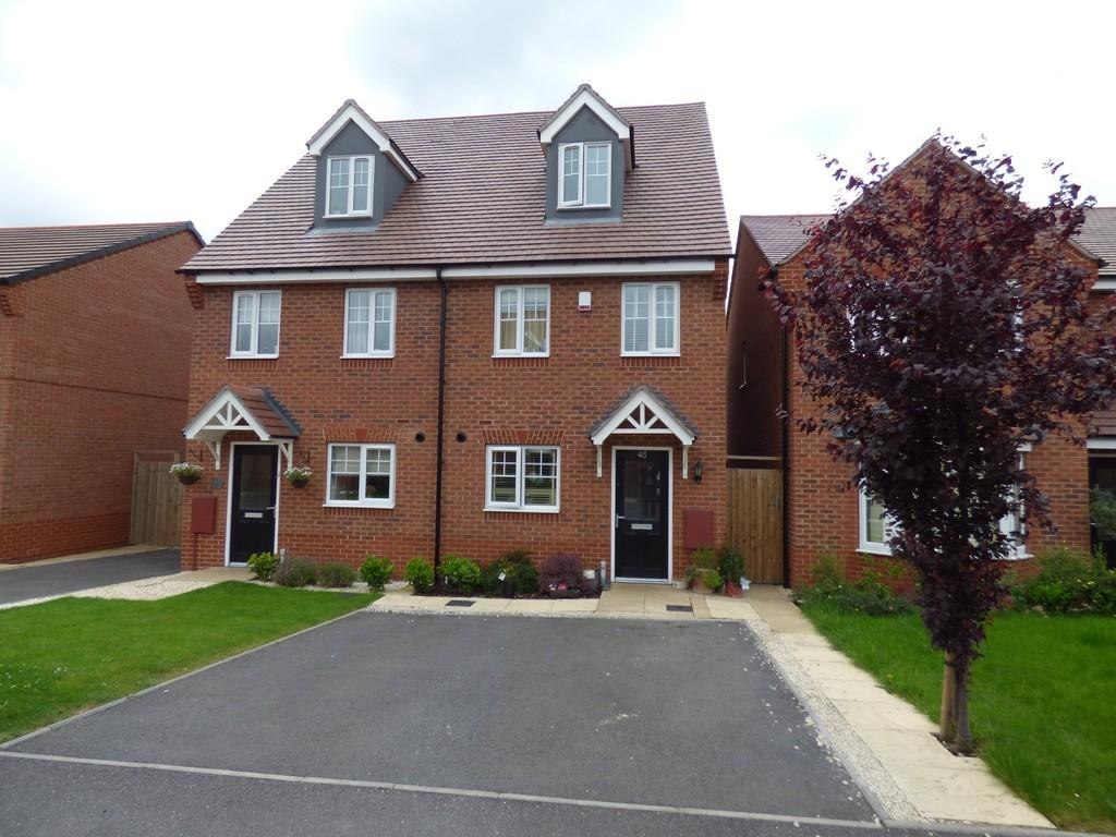 3 Bedrooms Town House for sale in Brackley Crescent, Warwick