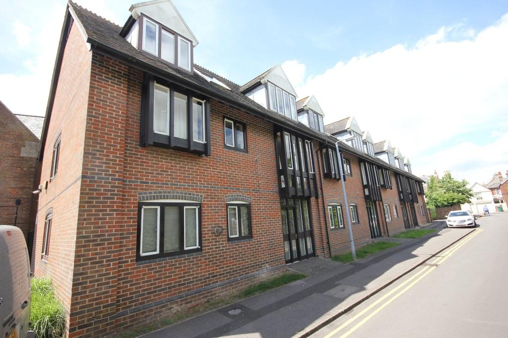 2 Bedrooms Flat for sale in ST ANN PLACE, SALISBURY, WILTSHIRE, SP1 2SU