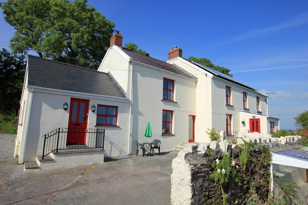 5 Bedrooms Detached House for sale in Llansadurnen, Laugharne, Carmarthenshire