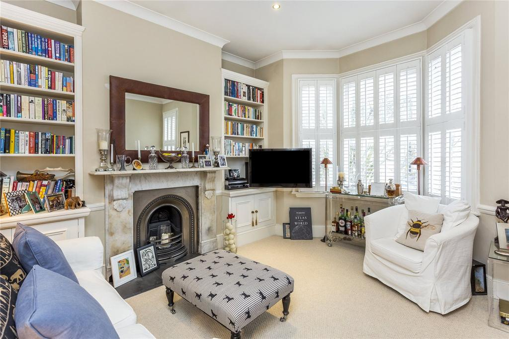 2 Bedrooms Flat for sale in Gironde Road, London