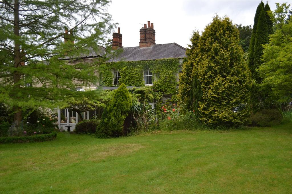 3 Bedrooms House for sale in Bath Road, Hare Hatch, Berkshire, RG10