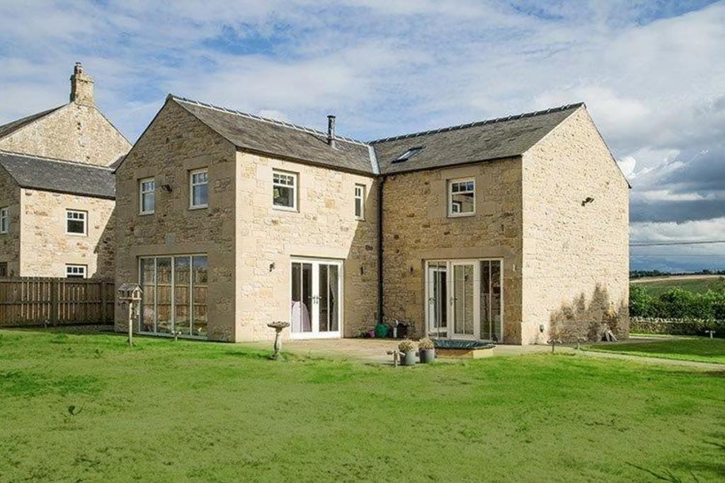 4 Bedrooms Barn Conversion Character Property for sale in Bingfield