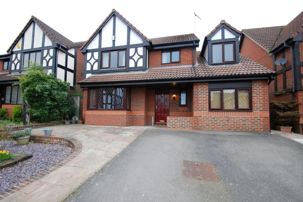 4 Bedrooms Detached House for sale in Campbell Close, Buntingford, Hertfordshire