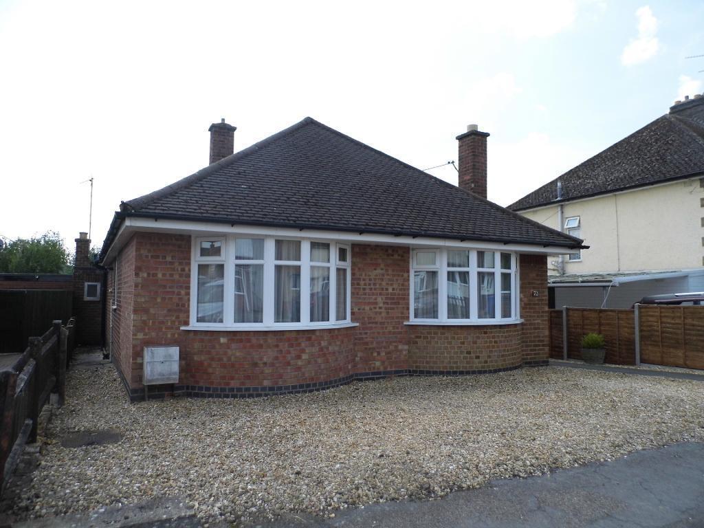2 Bedrooms Detached Bungalow for sale in Federation Avenue, Desborough, NN14 2NX