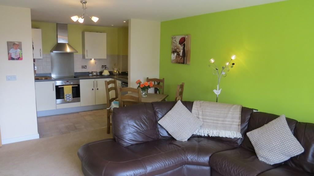 2 Bedrooms Apartment Flat for sale in Avenel Way, Poole