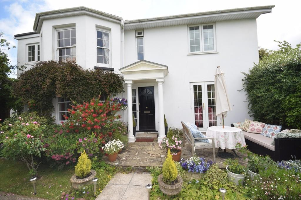 3 Bedrooms Detached House for sale in Staplers Road, Newport