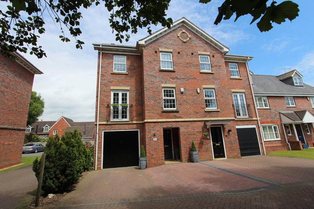 4 Bedrooms Semi Detached House for sale in Meadow Rise, Balsall Common